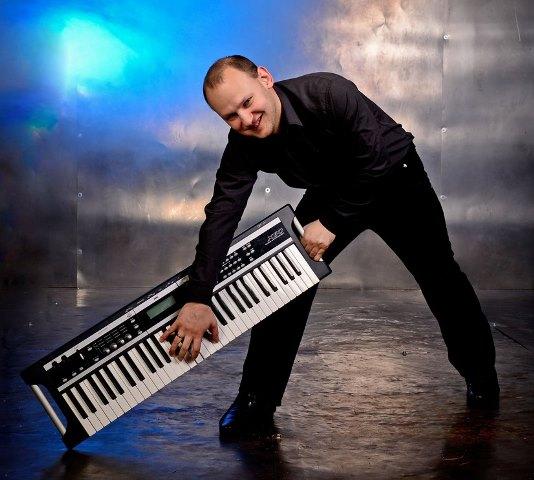 Волгоградцев ждет сольный джазовый концерт пианиста-виртуоза Александра Головина