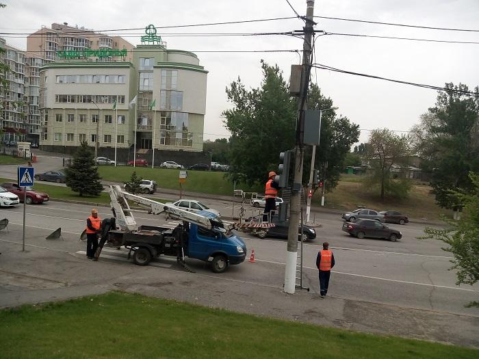 В этом году в Волгограде на 120 светофорах появятся электронные табло с обратным отсчетом