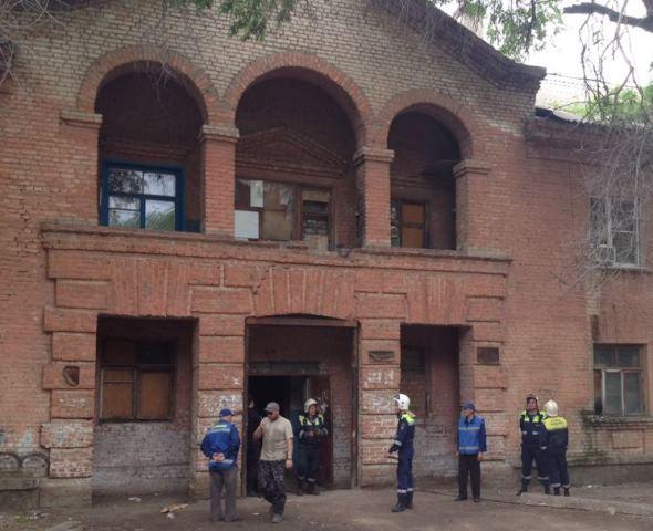 Дом № 44 по улице Панферова в Волгограде где обрушился потолок взят под охрану